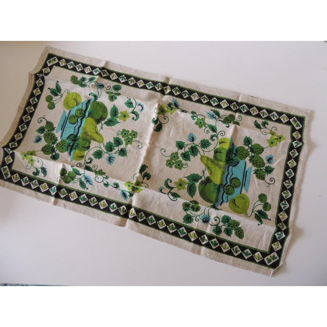 Traditional Vintage Green and Blue Printed Bathroom Guest Towel For Sale - Image 3 of 5