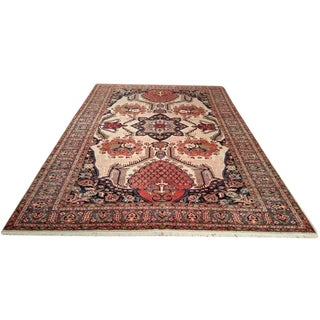 Persian Bakhtiar Handmade Knotted Rug - 7x10 - Size Cat. 8x10 For Sale