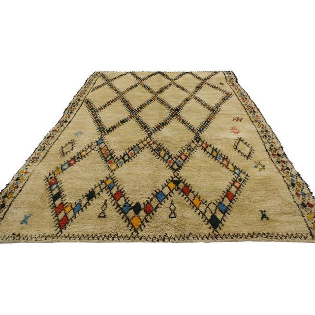 Bauhaus Mid-Century Modern Vintage Beni Ourain Moroccan Rug with Tribal Style For Sale - Image 3 of 8