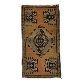 1960s Vintage Small Oushak Faded Rug - 1′7″ × 2′11″ For Sale