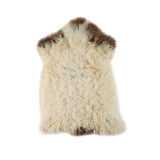"Contemporary Hand-Tanned Sheepskin Pelt Rug - 1'9""x2'9"" For Sale"