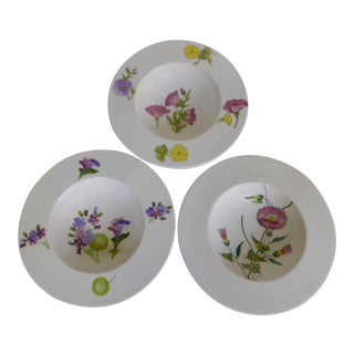 1950s Mid-Century Ernestine Earthenware Bowls With Hand Painted Flowers, Salerno Italy - Set of 3 For Sale
