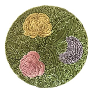 Green Sarreguemines Platter with Large Majolica Flowers Circa 1900 For Sale