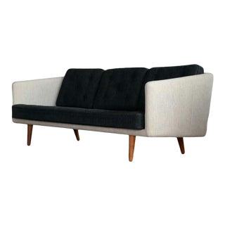 Borge Mogensen Sofa Model 203 in Original Wool for Fredericia, Denmark, 1955 For Sale
