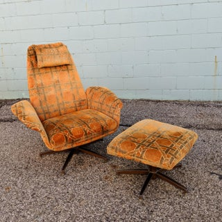 Vintage Mid-Century Mr. Chair Lounge With Ottoman Preview