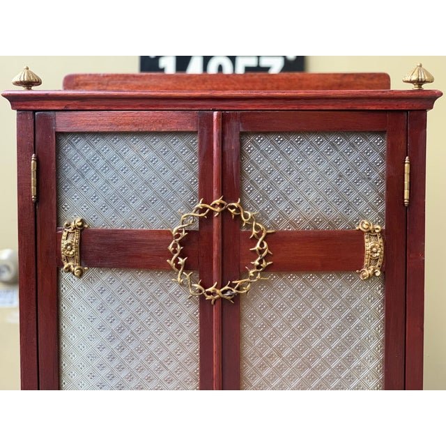 Metal 19th Century French VIctorian Prie-Dieu, Oratory in Mahogany With Vitrine For Sale - Image 7 of 11