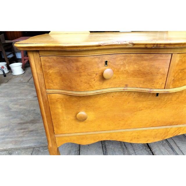 Vintage Birdseye Maple Vanity Dresser by Atlas Furniture Co. For Sale -  Image 6 of - Vintage Birdseye Maple Vanity Dresser By Atlas Furniture Co. Chairish