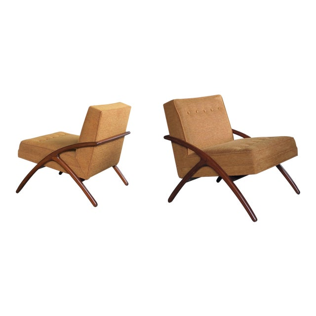 A Sleek and Stylish Pair of American 1960's Ash Grasshopper Chairs For Sale