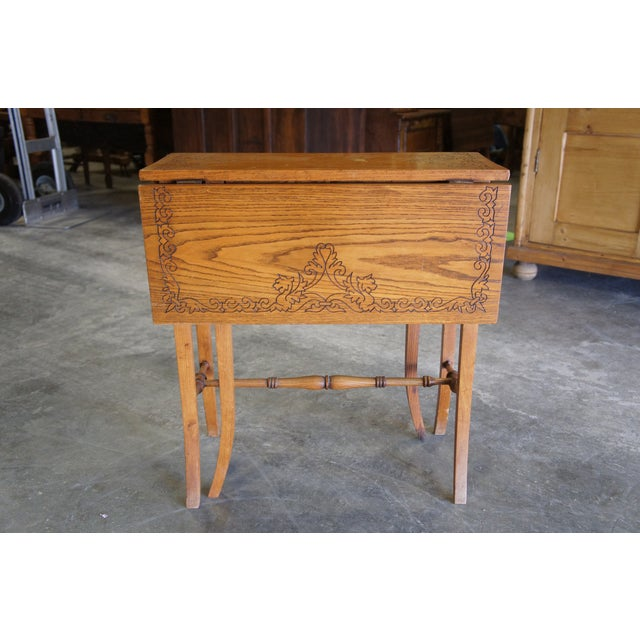 20th Century Arts & Crafts English Oak Gate-Leg Accent Table For Sale - Image 6 of 11