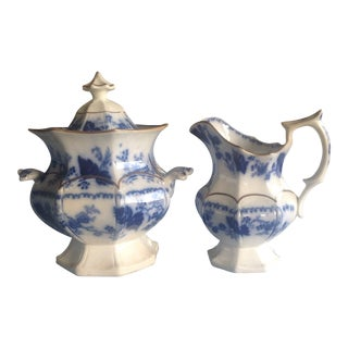 1900s English Traditional Flow Blue Cream and Sugar Set - 2 Pieces For Sale