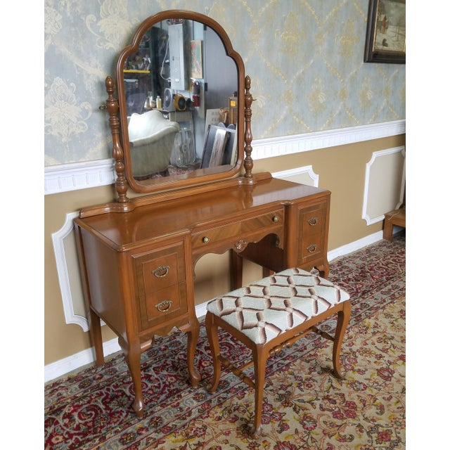This is a very fine post Art-Deco period walnut bedroom dressing table vanity & mirror with matching bench, c1930s. Older...