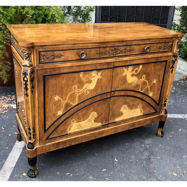 1990s Vintage Neoclassical Satinwood Inlaid Commode by Traditional Imports For Sale - Image 5 of 5