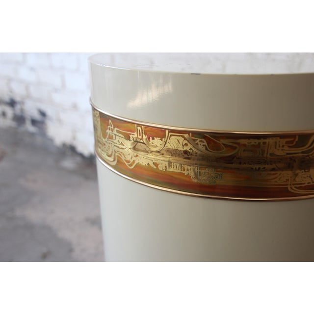 White Bernhard Rohne for Mastercraft Acid Etched Brass Cream Lacquered Pedestal Dining Table For Sale - Image 8 of 13