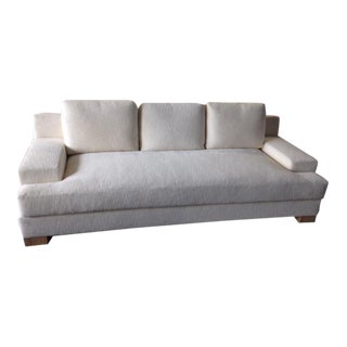 Traditional 3-Seater Standard Sofa