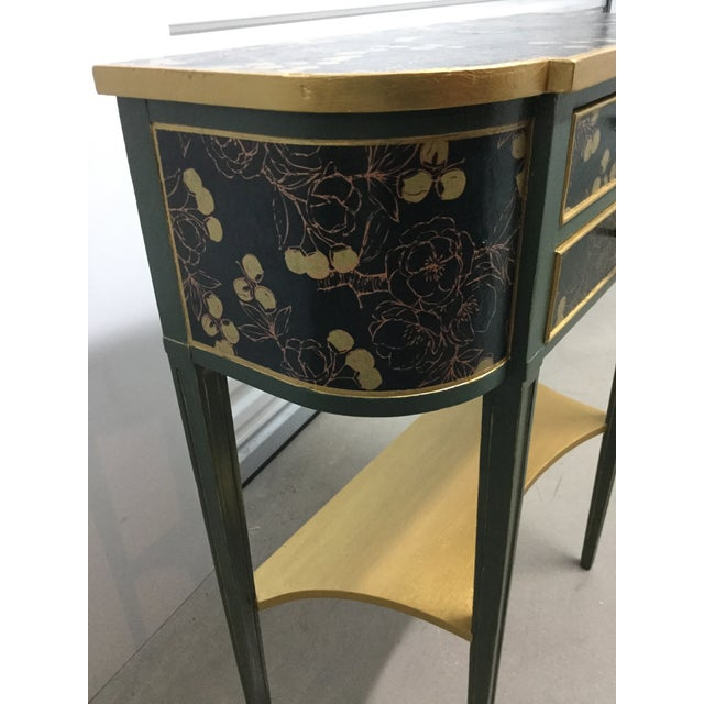 Green Charming Hekman Sidetable Refinished With Handmade Paper For Sale - Image 8 of 9