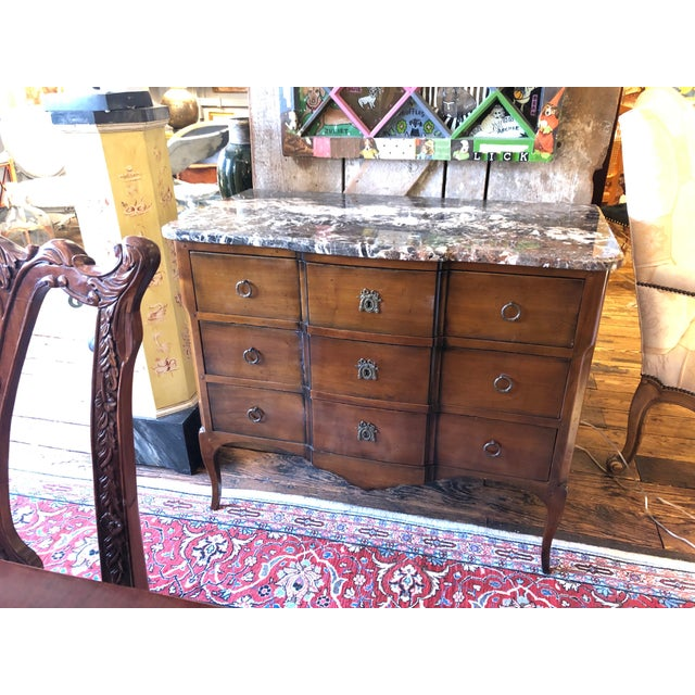 1980s Vintage French Heritage Mahogany and Marble Commode For Sale - Image 11 of 11