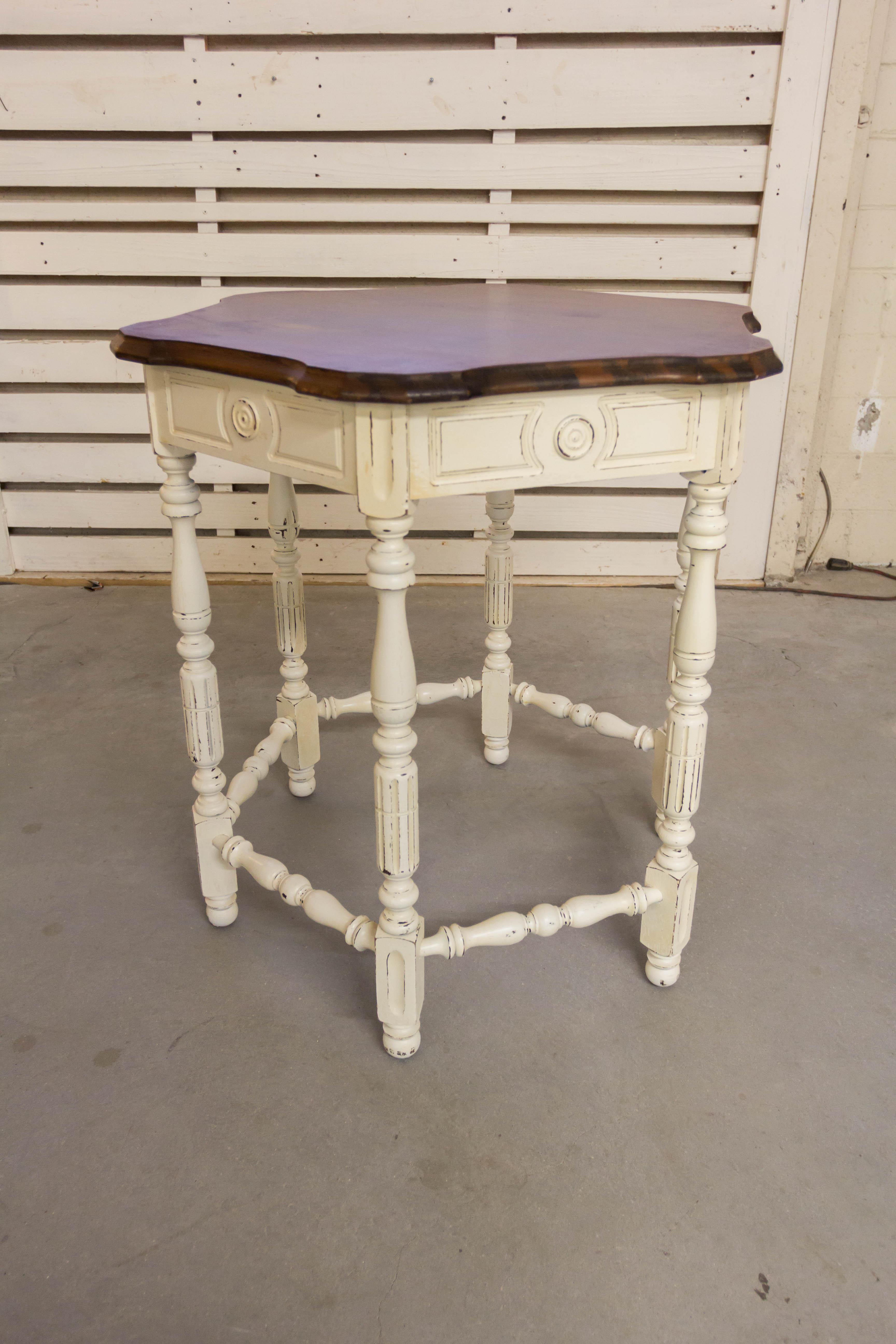 1950s 1950s Antique White Polygon Cottage Chic Side Table For Sale   Image  5 Of 6