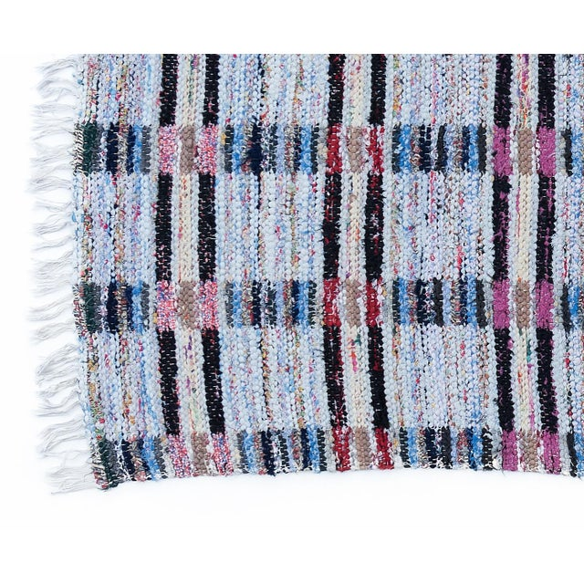 "Handwoven Reversible Vintage Swedish Rug by Scandinavian Made 124"" x 33"" For Sale - Image 4 of 5"
