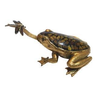 Mid-Century 1970s Frog Figure With Dragonfly - Bronze and Stone Inlay For Sale