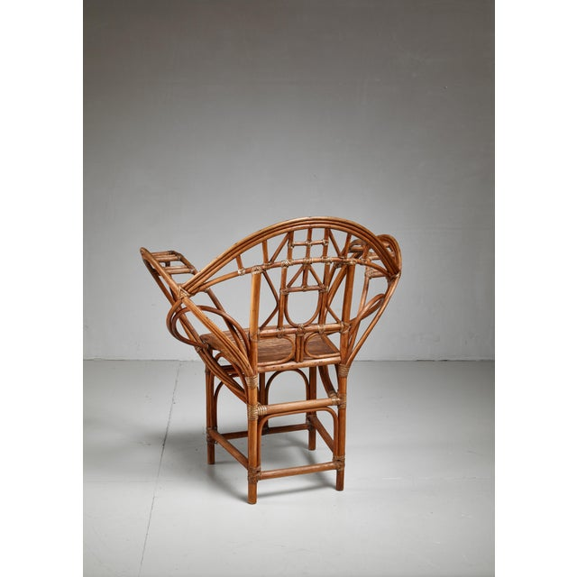 Early 20th Century Curved hand-crafted willow chair, Austria For Sale - Image 5 of 7