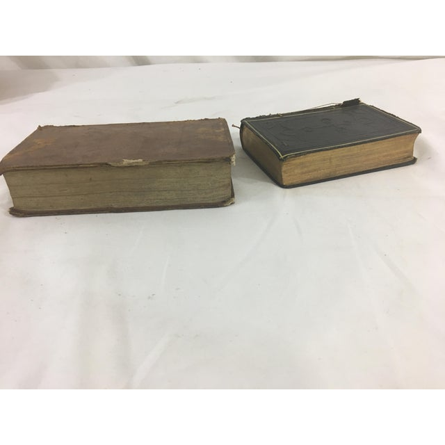 French Provincial 19th Century French Psalms Books - Set of 2 For Sale - Image 3 of 6
