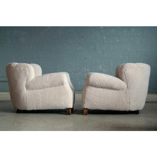 Wood Pair of Danish Fritz Hansen Model 1518 Large Size Club Chair in Lambswool, 1940s For Sale - Image 7 of 10