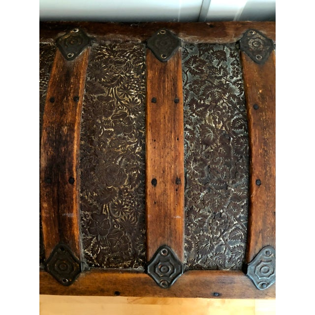 Late 1800s Irish Dome Top Carriage Trunk Chest For Sale In San Francisco - Image 6 of 13