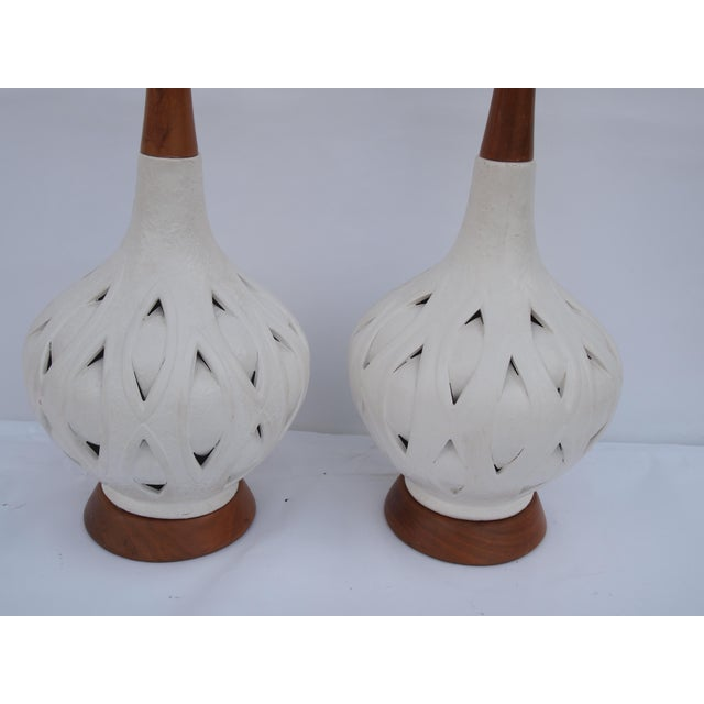 Wood Pierced Mid-Century White Ceramic Lamps For Sale - Image 7 of 8