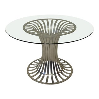 1960s Russell Woodard Extruded Aluminum Outdoor/Patio Dining Table For Sale
