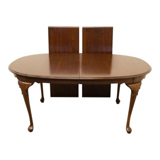 Late 20th Century Vintage Ethan Allen Georgian Court Dining Table For Sale