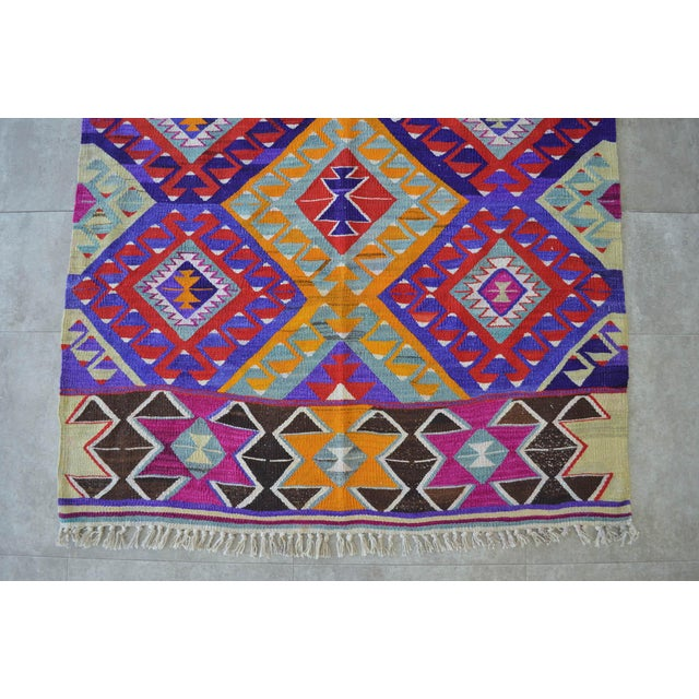 Textile Turkish Hand-Made Kilim Rug - 4′2″ × 6′5″ For Sale - Image 7 of 9