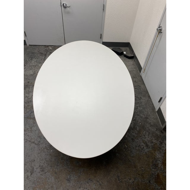 Eero Saarinen Rove Concepts Tulip White Lacquered Table For Sale In San Francisco - Image 6 of 13
