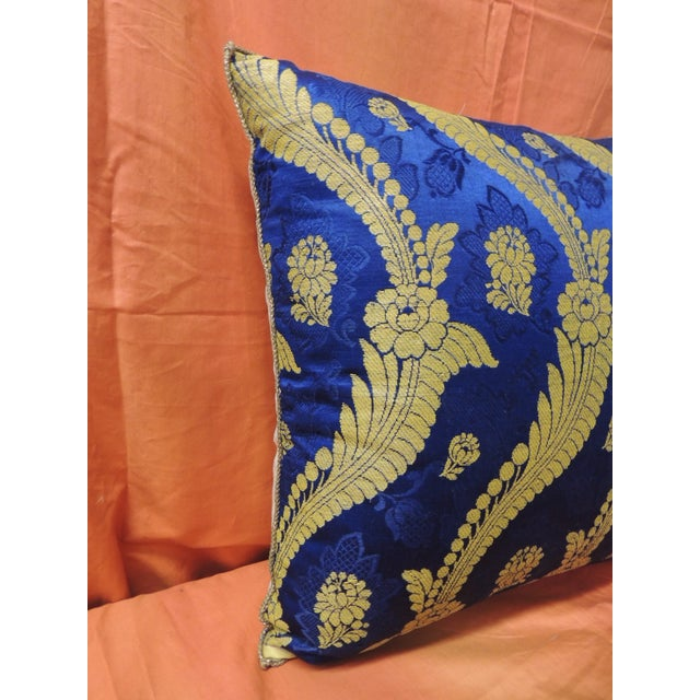 Hollywood Regency 19th Century French Silk Brocade Royal Blue Square Decorative Pillow For Sale - Image 3 of 6