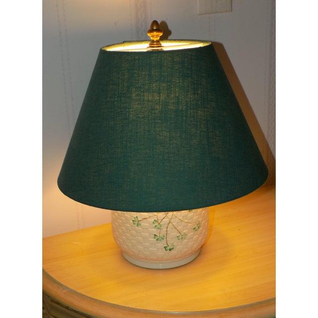 Contemporary Irish Belleek Basketweave Shamrock Pattern Lamp with Original Linen Shade For Sale - Image 3 of 10