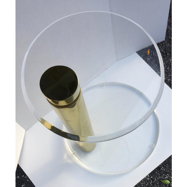 Mid-Century Modern Lucite Drinks Table in the Style of Karl Springer For Sale - Image 3 of 4