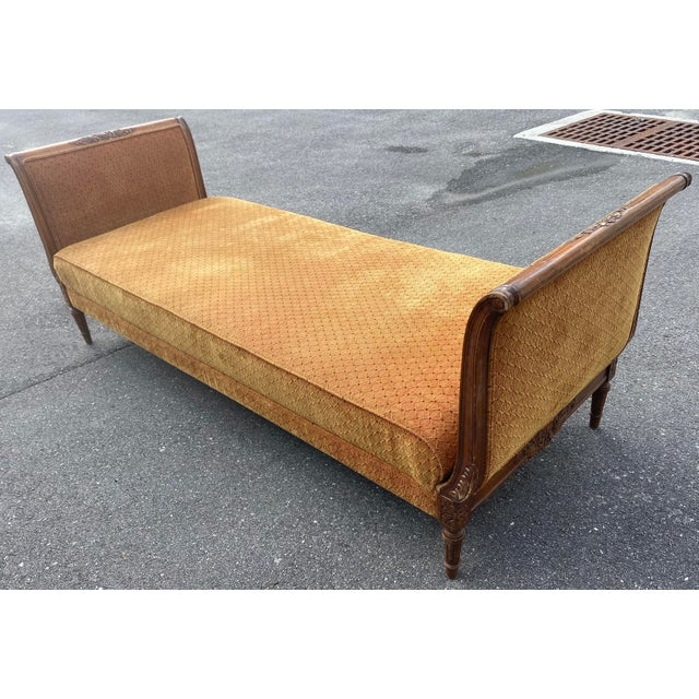 French Provincial 1940s French Walnut Sleigh Daybed For Sale - Image 3 of 12