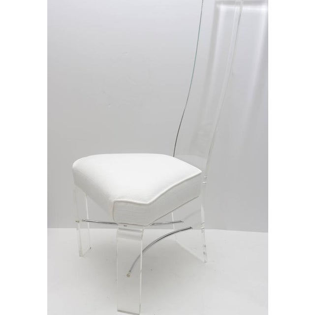 Mid-Century Modern Lucite & Chrome Dining Chairs With White Upholstery - Set of 6 For Sale - Image 3 of 9