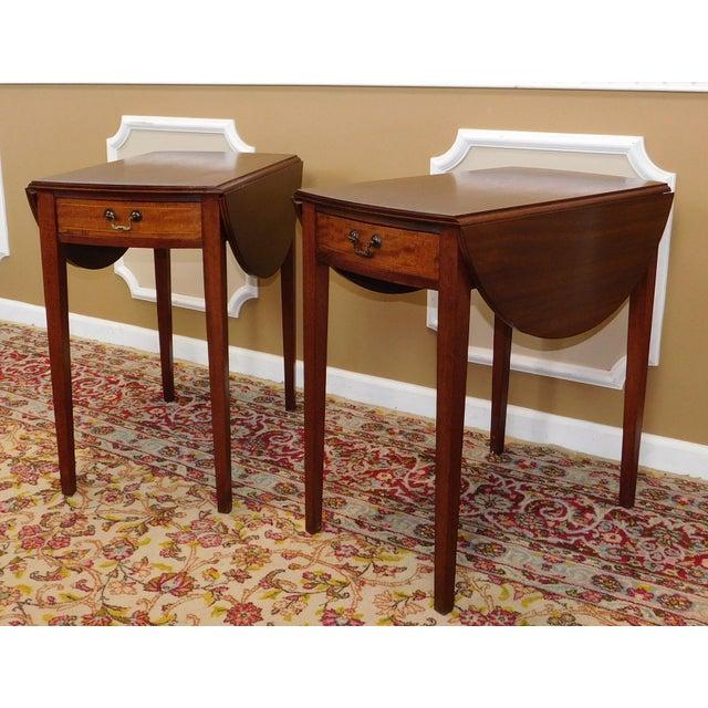 Federal Vintage Federal Style Pembroke Drop Leaf End Tables - Pair For Sale - Image 3 of 9