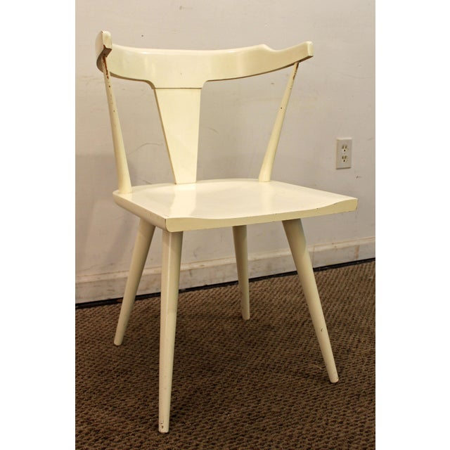 Mid-Century Danish Modern White Paul McCobb Planner Group Desk Side Chair Offered is a Mid-Century Modern chair, designed...
