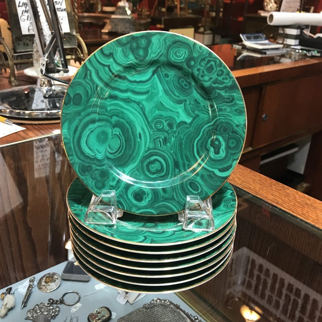 """Late 20th Century Traditional Malachite Painted Green Porcelain 6.25"""" Plates - Set of 8 - Image 7 of 7"""