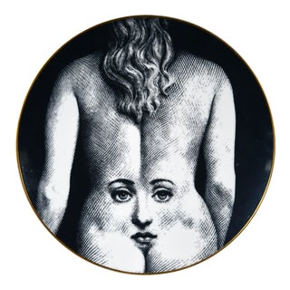 Piero Fornasetti Rosenthal Plate, Motiv 28, Themes & Variations, Depicting the Face of Julia on a Woman's Back For Sale