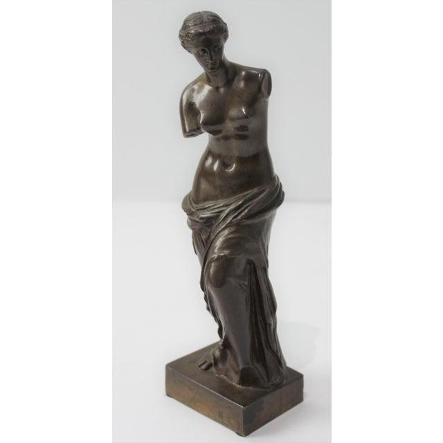 Figurative Antique Grand Tour Venus De Milo Bronze Figure For Sale - Image 3 of 13