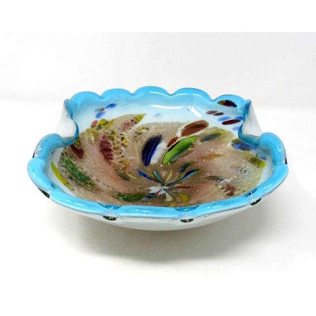 Murano 1950s Arte Vetraria Muranese Hand-Blown Biomorphic Art Glass Bowl For Sale - Image 4 of 10