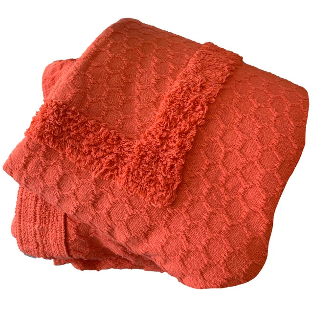 1950s *Popping!* 1960s Twin/Full Cotton Chenille Coverlet in Persimmon - Excellent Condition For Sale - Image 5 of 5