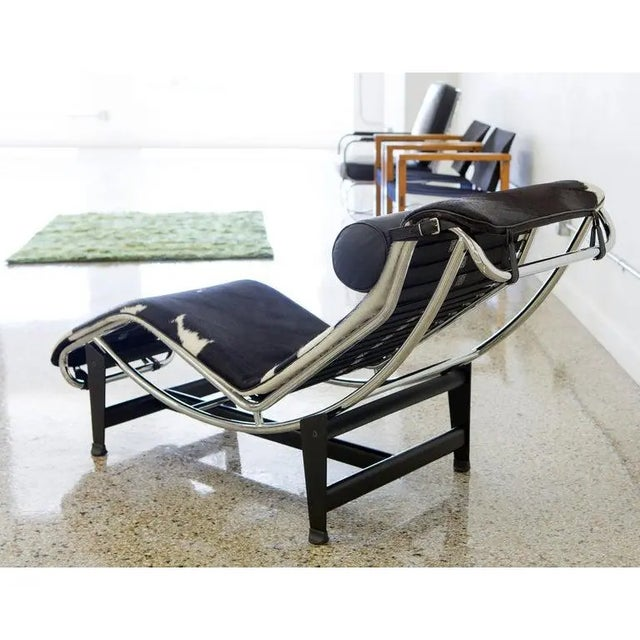 Modern Le Corbusier Lc4 Chaise With Chrome Frame, Natural Hide by Gordon International For Sale - Image 3 of 12