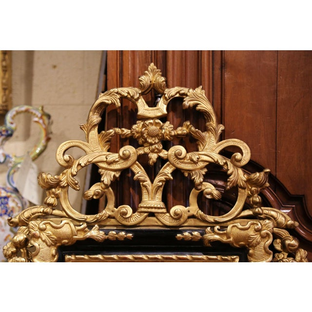 French 18th Century French Louis XV Carved Giltwood and Blackened Mirror From Provence For Sale - Image 3 of 13