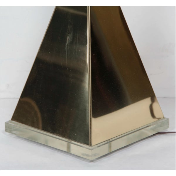 Pyramid Table Lamp With Lucite Base For Sale - Image 5 of 9