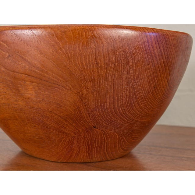 1960s Large American Walnut Serving Bowl For Sale - Image 5 of 8