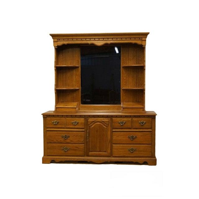 Late 20th Century Vintage Thomasville Furniture Salem Tavern Collection Dresser & Mirror For Sale - Image 12 of 12