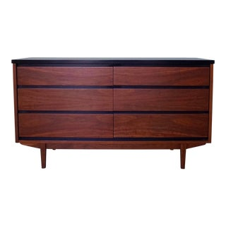 1960s Mid-Century Modern Stanley Furniture Dresser For Sale